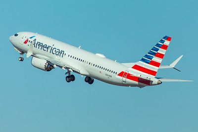 American Airlines Boeing 737 MAX-8 N304RB 11-29-17 4