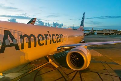 American Airlines Boeing 737 MAX-8 N304RB 11-29-17 2