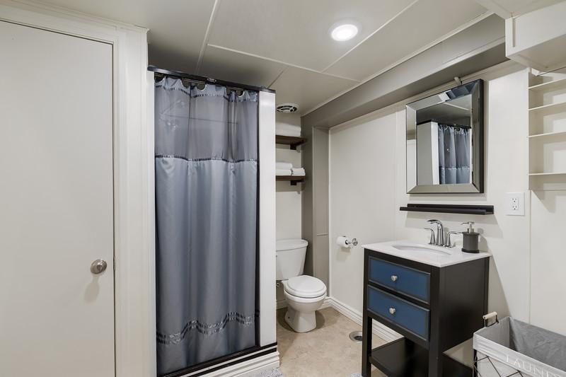 B Full Bathroom