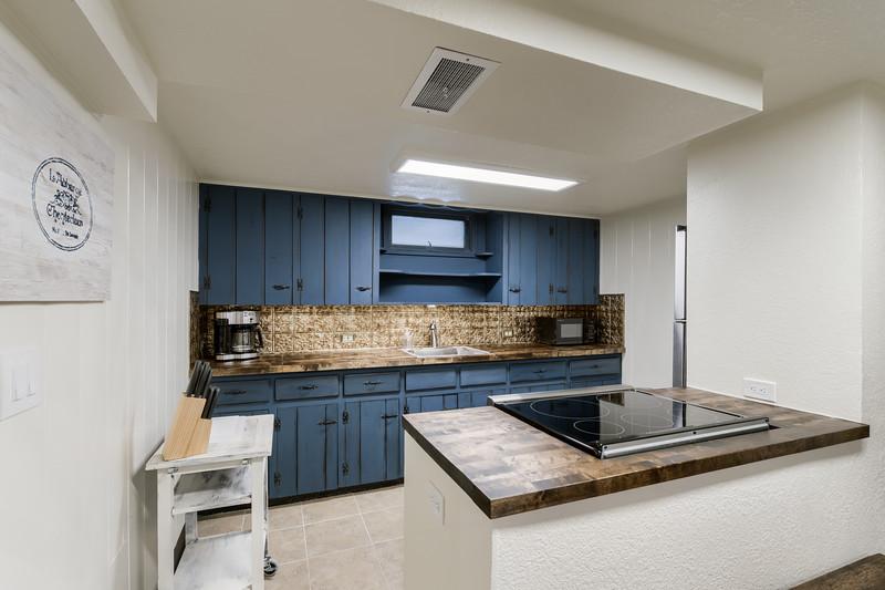 B Kitchen 1