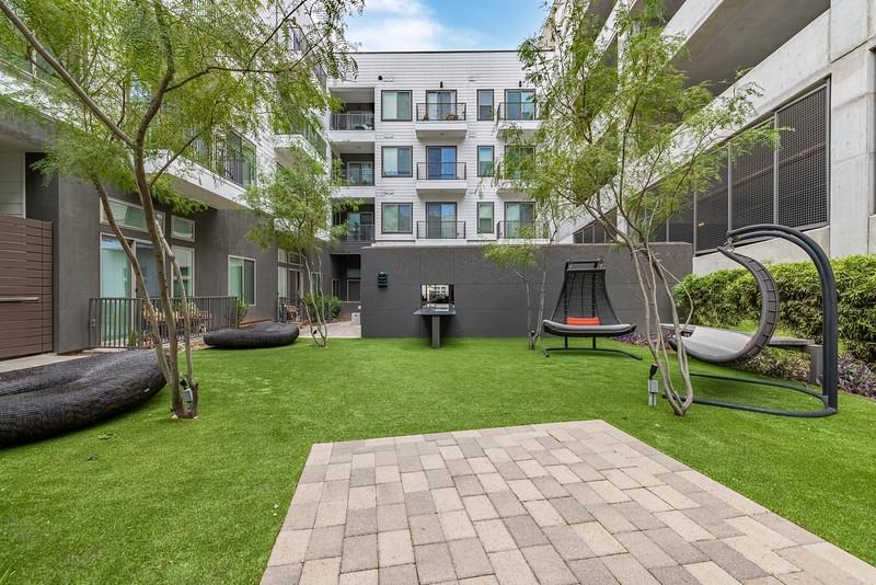 Marq on Burnet Courtyard 2