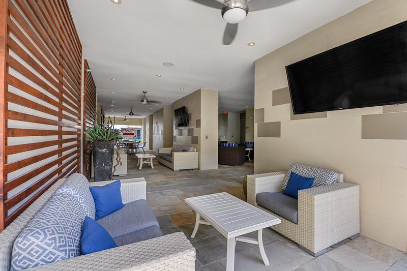 Sabina Courtyard 05