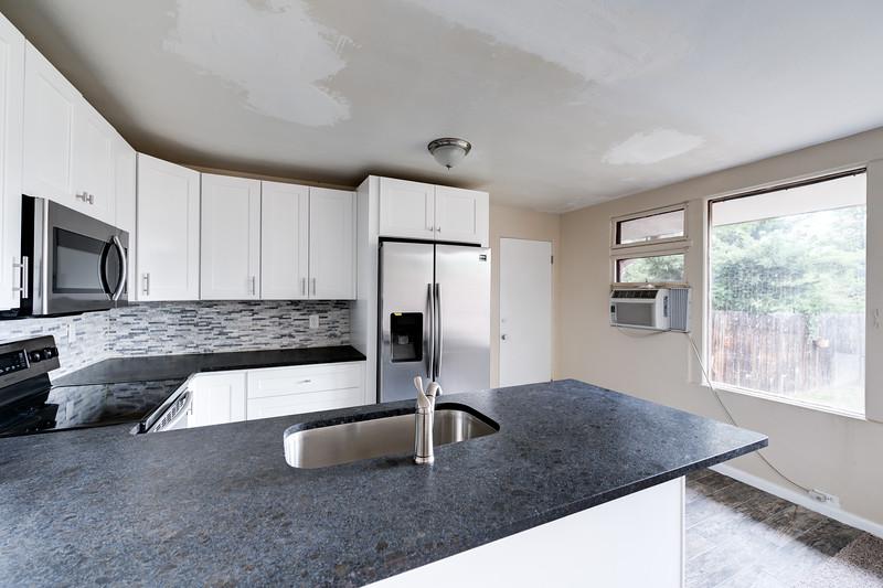 2203 Kitchen 1