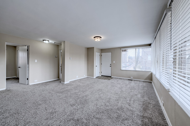 2201 Family Room 1
