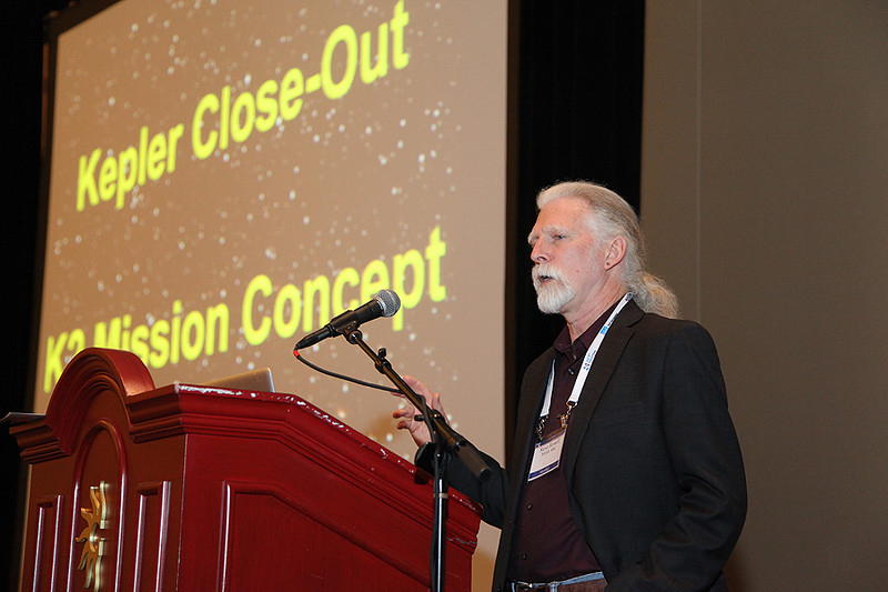 "At the Kepler Town Hall on Monday, project scientist Steve Howell (NASA Ames Research Center) described options for the ""K2"" mission, during which the spacecraft will operate without its full complement of stabilizing gyroscopes. AAS photo © 2014 Joson Images."