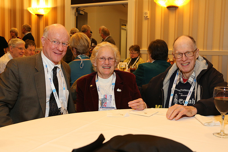 """The AAS """"40+E"""" reception honored those who have been members for at least 40 years and/or who have attained emeritus status. AAS photo © 2014 Joson Images."""