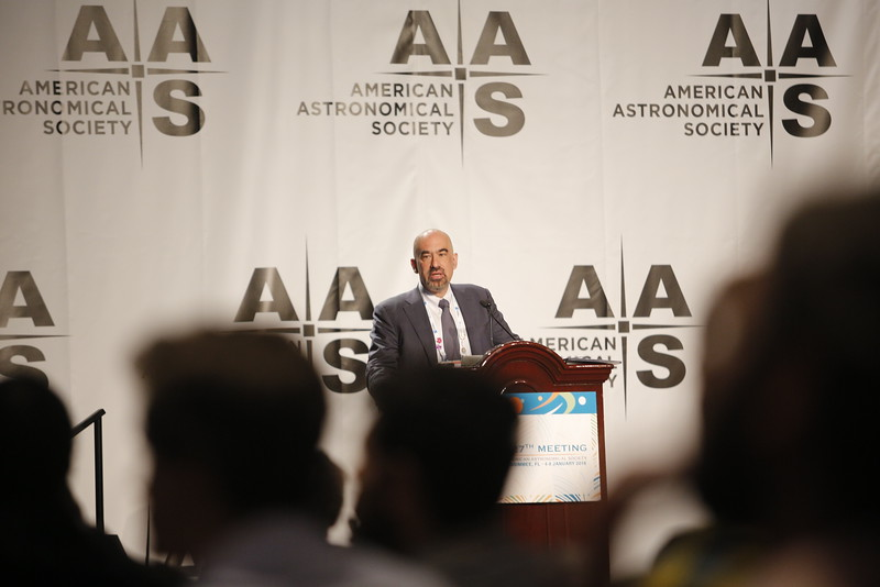 Marc Kamionkowski and David Spergel - AAS Heineman Lecture