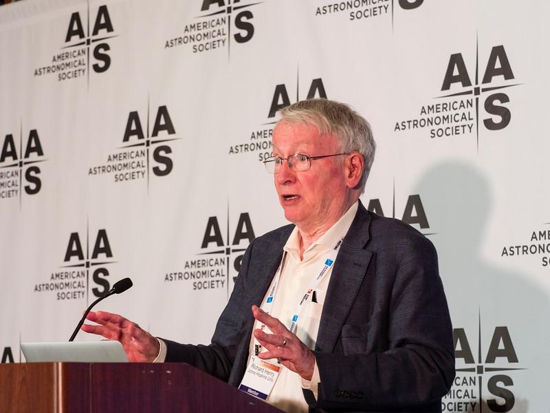 Richard C Henry of John Hopkins University - the Press conference on Black Holes