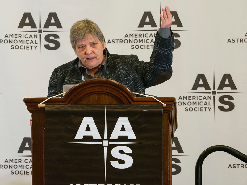 Lori Allen (National Optical Astronomy Obs.) during Press Conference: Stars & Interstellar Space