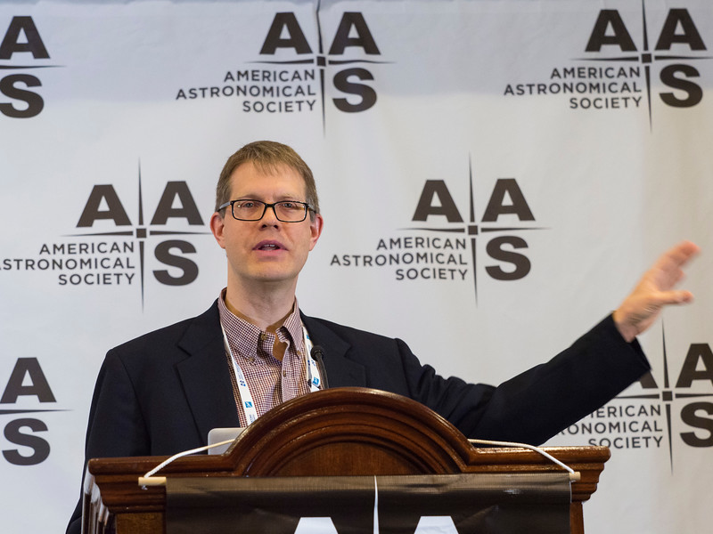 W. Niel Brandt (Penn State Univ) during Press Conference: Galaxies and Black Holes Therein
