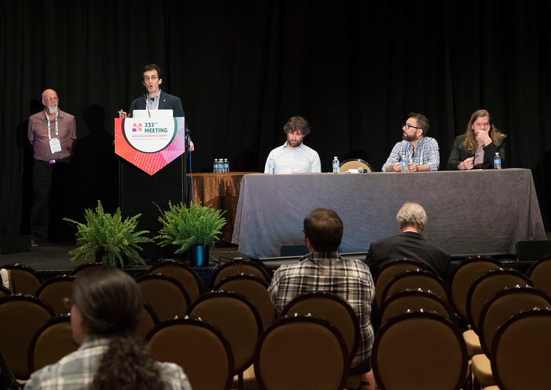 Speakers and attendees - Town Hall: Multi-Messenger Astrophysics