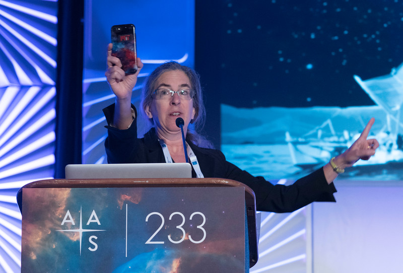 AAS President Megan Donahue - Welcome Address