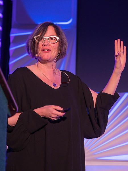Julianne Dalcanton speaks - Session 201: Tinsley Prize winner