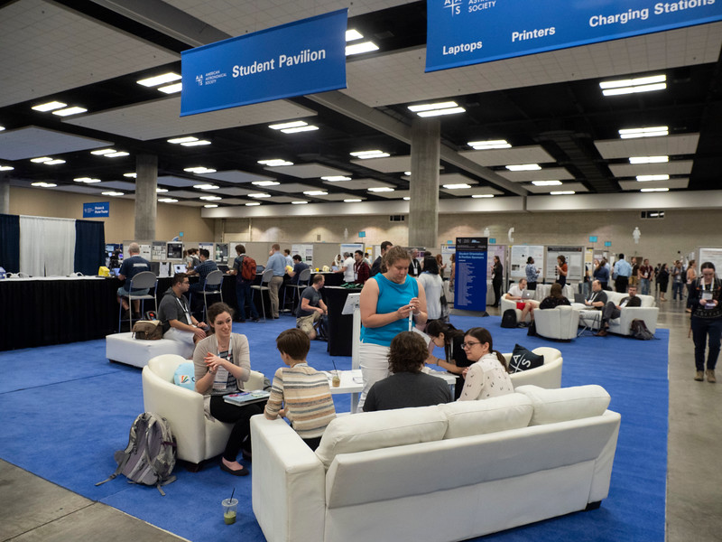 Attendees chat - Student Pavillion