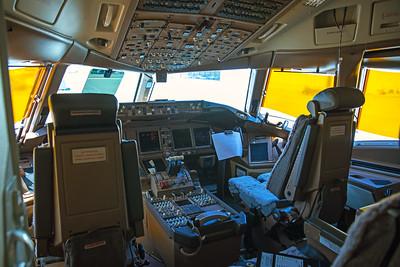American Airlines Boeing 777-323ER N730AN 8-18-17 12