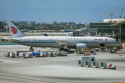 Air China Boeing 787-9 B-1591 8-18-17