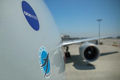 American Airlines Boeing 777-323ER N730AN 8-18-17 10