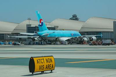 Korean Air Airbus A380-861 HL7621 8-18-17