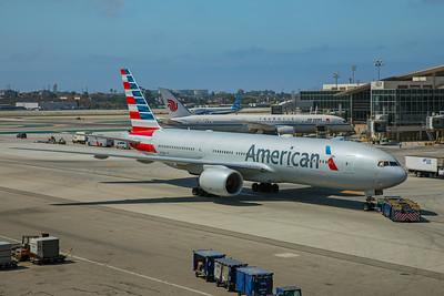 American Airlines Boeing 777-223(ER) N753AN 8-18-17 2
