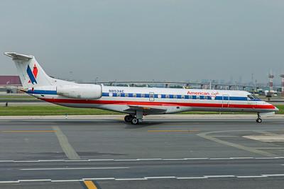 Envoy Air Embraer ERJ-140L N853AE 8-17-18
