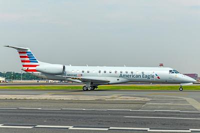 Envoy Air Embraer ERJ-140L N800AE 8-17-18