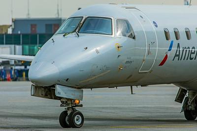 Envoy Air Embraer ERJ-140L N856AE 8-17-18 2