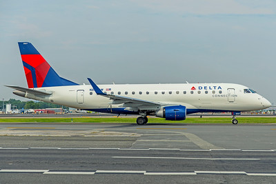 Republic Airlines Embraer ERJ-170-100SU N867RW 8-17-18
