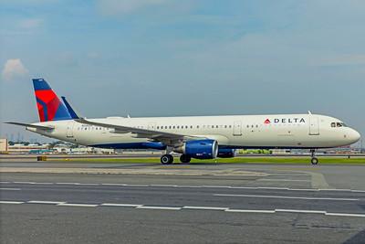 Delta Air Lines Airbus A321-211 N316DN 8-17-18