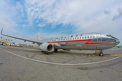 American Airlines Boeing 737-823 N905NN 8-17-18