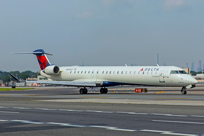 Endeavor Air Bombardier CL-600-2D24 CRJ-900LR N606LR 8-17-18
