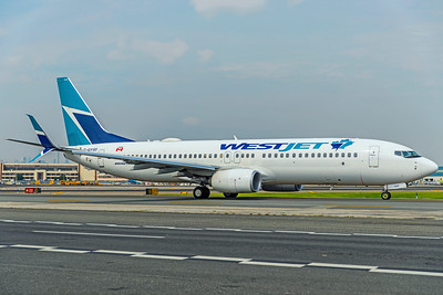 WestJet Boeing 737-8CT C-GYSD 8-17-18
