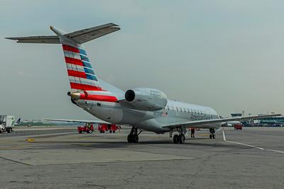 Envoy Air Embraer ERJ-140L N856AE 8=17=18 4