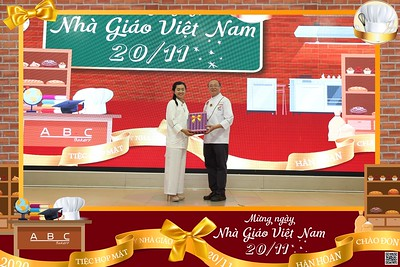 ABC Bakery | Tiệc họp mặt ngày Nhà giáo Việt Nam 20/11 | Vietnam Teacher's Day 20/11 instant print photo booth in Ho Chi Minh City | Photo Booth Vietnam