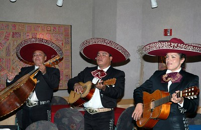 Campus Mexican dinner Mariachi band 04