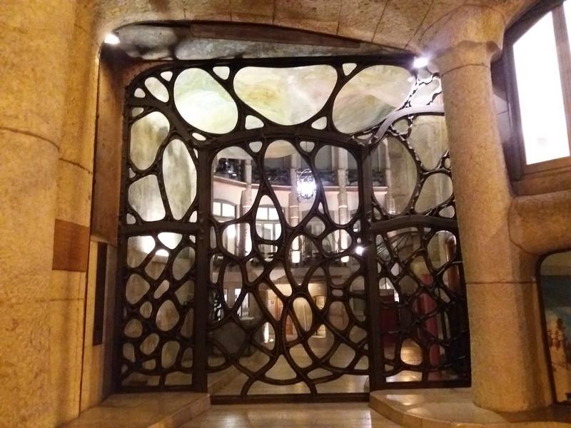 Gaudí, doorway Casa Mia, Barcelona, Spain