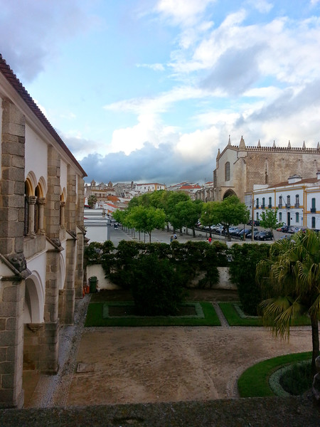 Glimpse of Évora from the art museum terrace