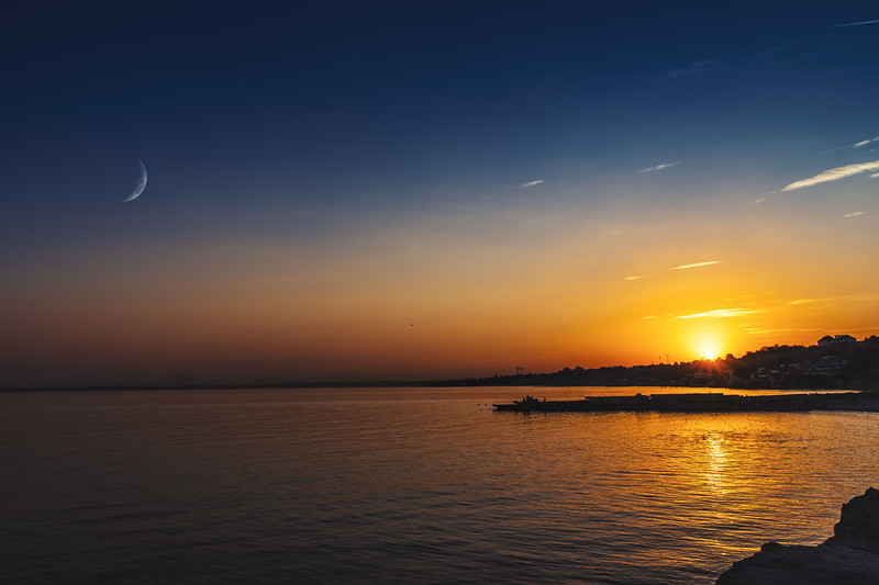 Beautiful summer twilight over the sea surface, natural backgrounds