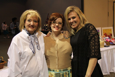 Nadine Yates, Carrie Croson, Amanda Velasques