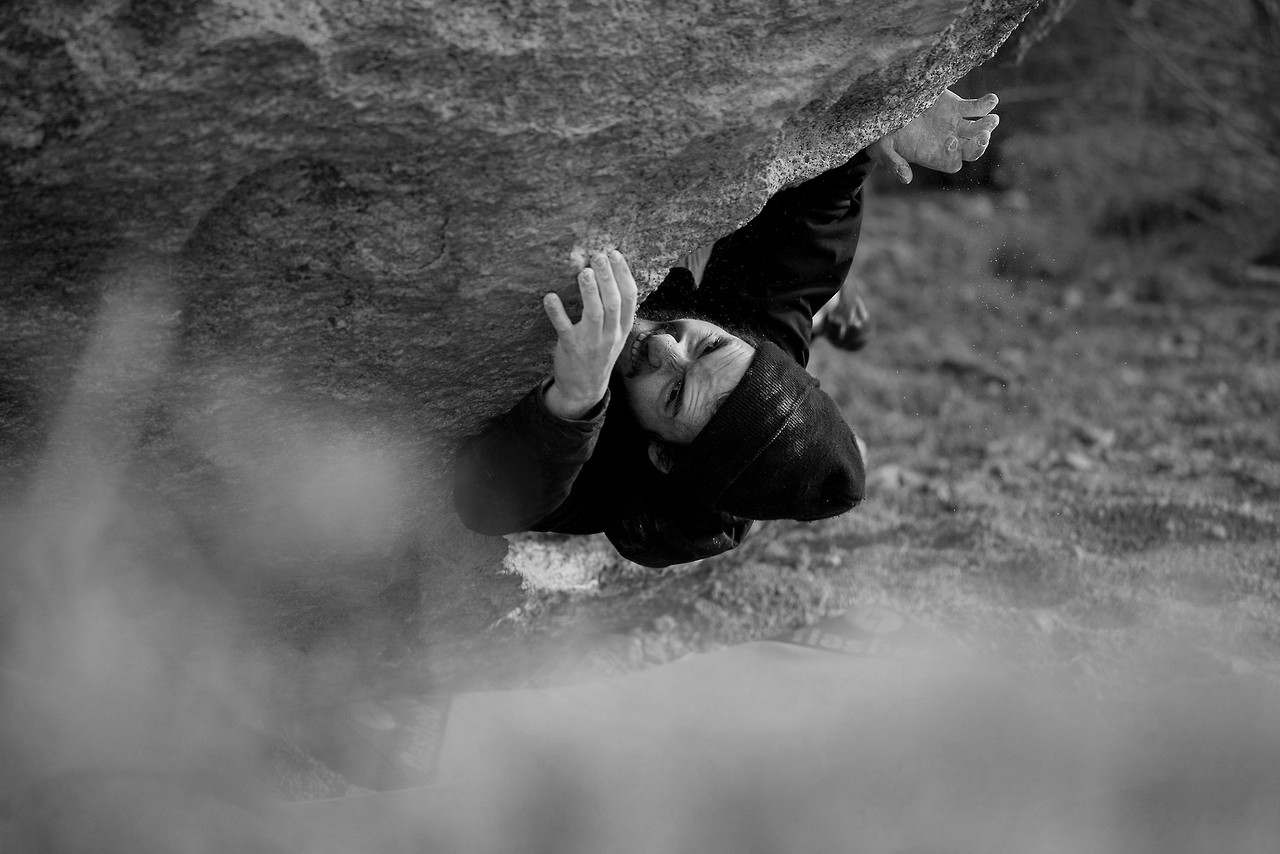 Mike Sims attempts Birthing Experience (V2) in the Buttermilks. Bishop, California