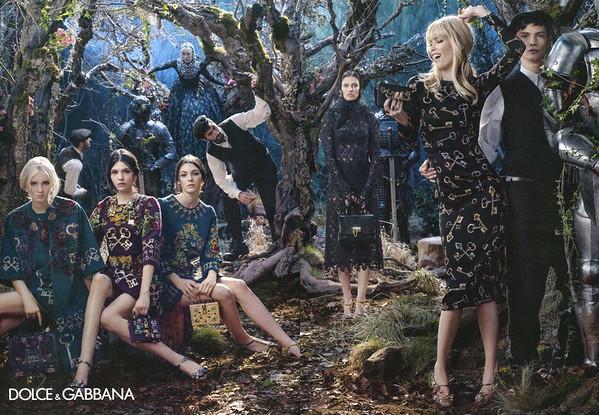 2014 DOLCE & GABBANA Fall-Winter 2014-2015 Spain (spread Woman)