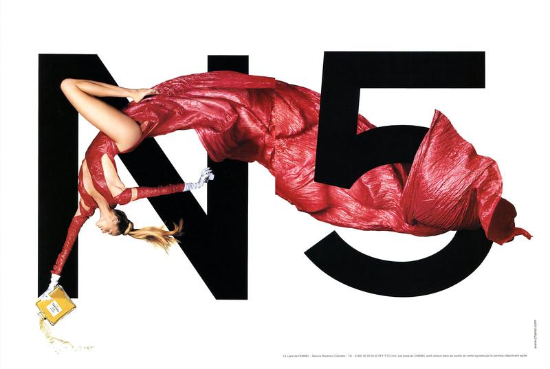 1999  CHANEL Nº 5 Parfum France spread