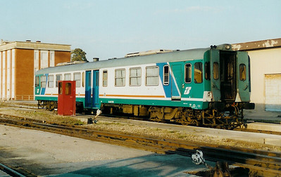 663 1108 at Sassari FS Depot on 13th May 2001