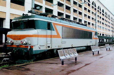 22251 at Nice Ville on 21st May 2001
