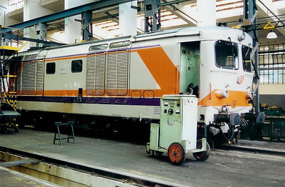445 1038 at Cagliari FS Depot on 17th May 2001