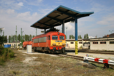 M41 2202 at Budapest Ferencvaros Depot on 29th September 2004