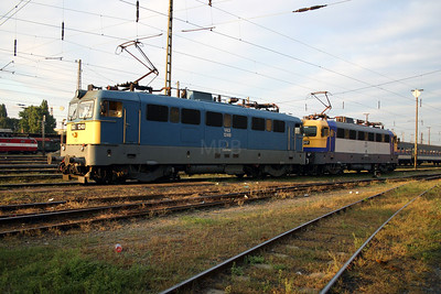 V43 1249 at Budapest Nyugati Depot on 29th September 2004