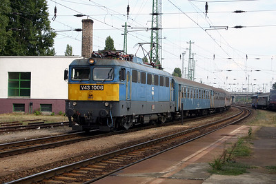 V43 1006 at Budapest Ferencvaros on 29th September 2004