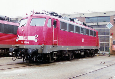 110 468 at Saarbrucken Depot on 24th November 2001