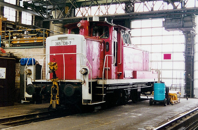 365 138 at Trier Depot on 24th November 2001