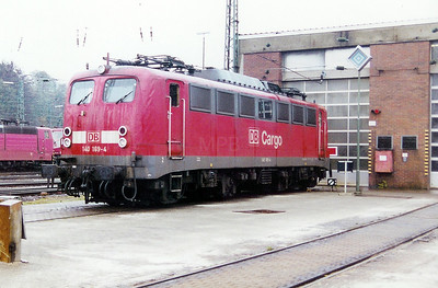 140 169 at Saarbrucken Depot on 24th November 2001